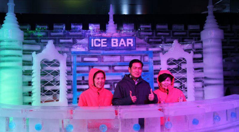 """เชียงใหม่หนาวมากเมื่อมาอาณาจักรน้ำแข็ง """"Ice Carving"""" ที่ใหญ่ที่สุดในประเทศไทย"""