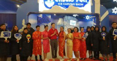 """ตรุษจีนนี้ไปลุ้นไข่มังกรกันที่ """"Chiang Mai Ice Carving Show"""" เมืองแห่งน้ำแข็งหนาวติดลบ 15 องศา"""
