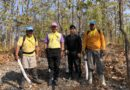 จิตอาสาอ.สันป่าตอง ร่วมกันทำแนวกันไฟติดเขตป่าสงวนเพื่อป้องกันไฟเข้าหมู่บ้าน ยาวกว่า 5 กิโลเมตร